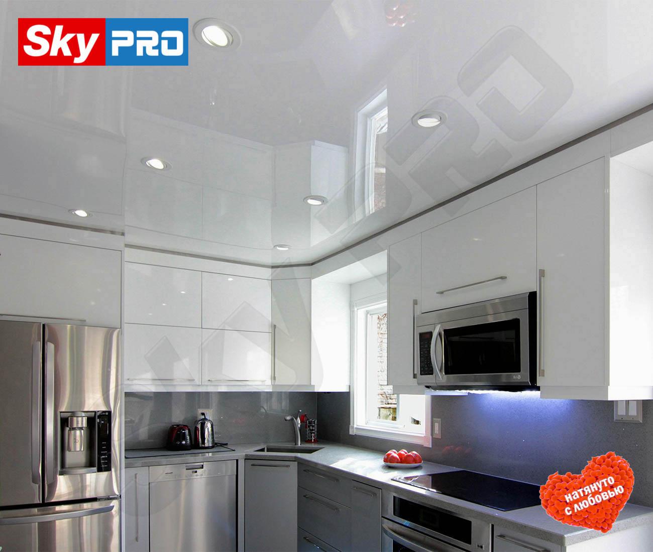 Белый глянцевый натяжной потолок Экстра цена за метр